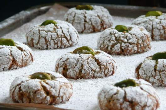Biscotti al pistacchio fresh out of oven
