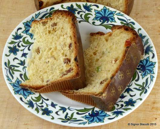 Naturally leavened Panettone